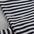 noir et blanc rayé de tissu en fibre de lait horizontal grossier