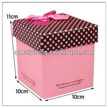 Paper christmas apple gift box
