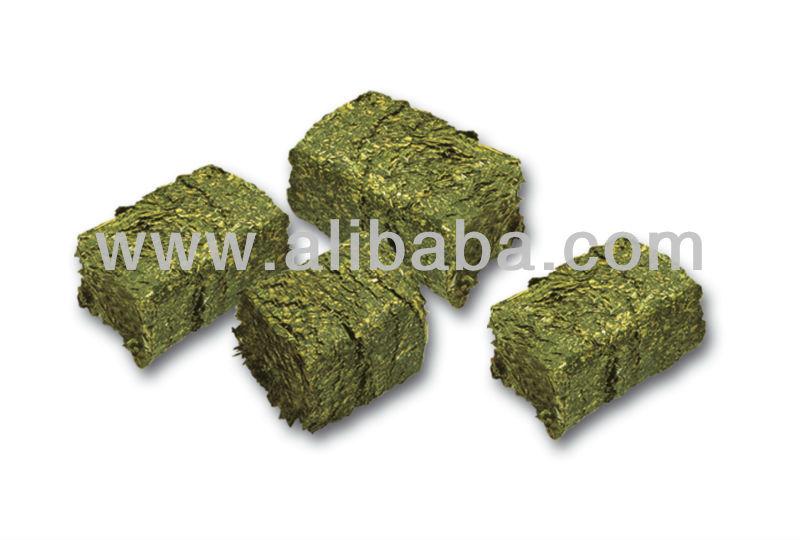 Alfalfa cubos con cereales
