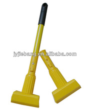 plastic Jaw with fiberglass handle / wet mop