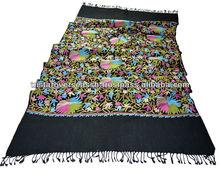 chales de lana con el bordado de cachemira