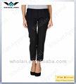 Señoras tres- cuarto de diseño de los pantalones