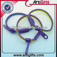 Wholesale fashion cheap plastic wrist band