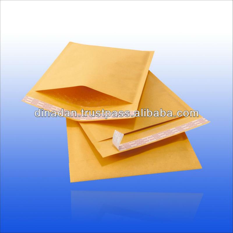 Sealing and custom kraft paper lining bubble envelope