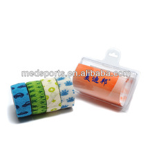 Medical nonwoven elastic self-adhesive roller bandage for horse