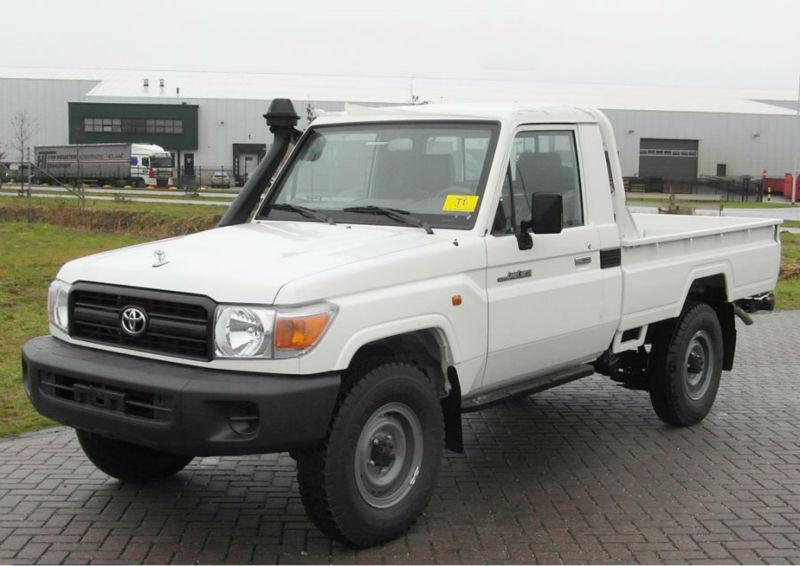 Toyota Land Cruiser 4x4 Accessories Toyota Land Cruiser Hzj79l 4x4