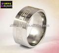 ( elbr0410) gravado grego chave padrão açoinoxidável platinum wedding band
