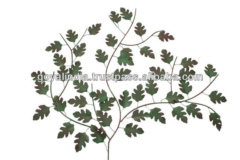 las hojas de metal con ramas de árboles de decoración de la pared
