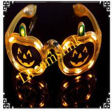 2013 New And Cute 5 pcs / lot Pumpkin Shape LED Flash Glasses For Dances / Party Supplies Decoration Halloween Supplies