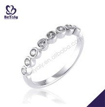 Single row silver designer gemstone jewelry ring with clear gemstones