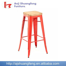 high stool with wooden seat / bar stool