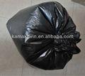 mão laços de sacos de lixo