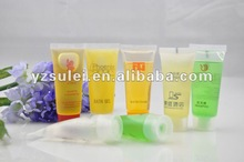 Popular hot selling cheap disposable hotel shampoo various colours and perfume in beautiful packing in UAE