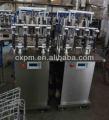 Guangzhou semi- automatico de la botella de agua mineral pura máquinadellenado precio/agua de soda