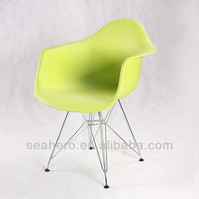 Armrest Eames design dining chair IN CHROME