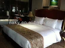 Modern Design Polyester Hotel Bed Runner for Queen Size Beds Hotel polyester bed runner