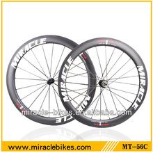 Roues de vélo en carbone plein cadre, aero roues à pneus de carbone chinois