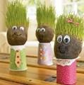 Cortar o meu cabelo- ouso ya! Cabeça grama boneca de cerâmica, cor: branco/vermelho