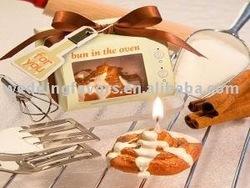 """Bun in the Oven"" cinnamon bun candle favors"