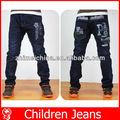 criança veste roupas infantis