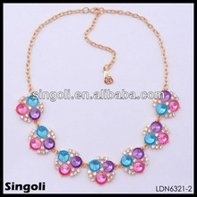 2014 wholesale cheap gold plating fashion elegant flower necklace