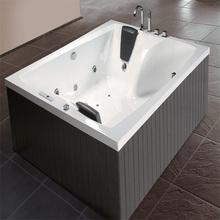 porcelain cast iron bathtub