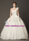 Elegant one-shoulder sweetheart lace embroidered organza ball gown wedding dress(AAW-007)