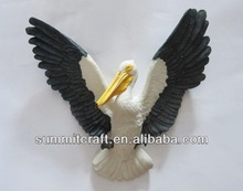 Polyresin pelican statues wall hanging crafts