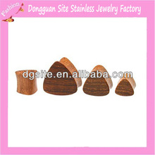 Fashion body piercing jewelry hot sale triangle ear plug wood piercing wholesale