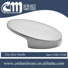 Zinc alloy handle bronze hand shaped door knob for Furniture