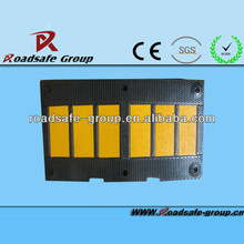 Roadway Rubber black body with yellow reflector L900*W500*H50mm rubber speed bump