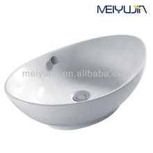 Modern style kitchen sink accessories