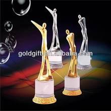 top qualidade baratos metal troféu de plástico novo design de cristal