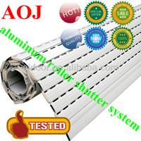 Smooth rolling extruded aluminum roller shutter slat