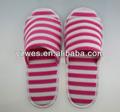 La producción en masa bofetada- hasta cómodas zapatillas de interior