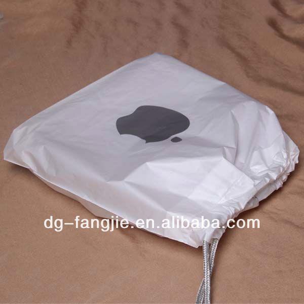 2014 fashionable widely used drawstring silk velvet gift bag