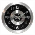 Horloge murale en aluminium créatives. digital à piles