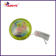 ningbojunye flashing plastic yo yo ball/light up yoyo