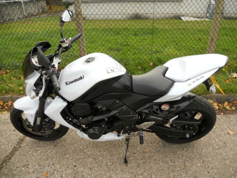 2010 10 Reg KA-WA-SA-KI Z 750 cc ZR750 LA MOTORCYCLE