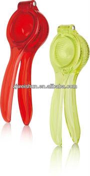 Hot selling plastic fruit juicer lemon squeezer