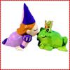 Funny custom frog prince kissing ceramic salt pepper shaker
