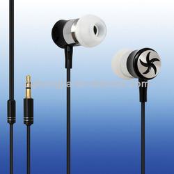 2014 metal MP3 in-ear earphone with mic