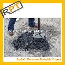 Mix cold Asphalt to repair potholes in parks