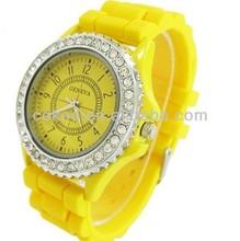 Fashion Geneva Crystal Watch Jelly Gel Silicon Girl Women's Quartz Wrist Watch Candy Colors