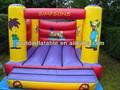 salto inflável pequena