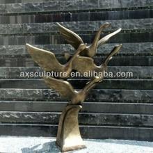 Bronze sculpture--abstract sculpture garden animals