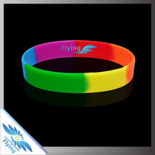 2015 Wholesale price promotional gifts and customized logo and print silicone wristband