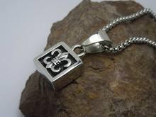 Super quality creative titanium metal/necklaces
