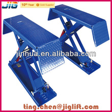 Small scissor truck garage equipment