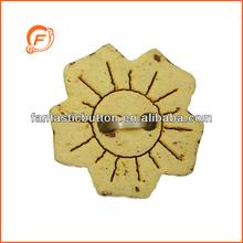 flower shape laser 2h natural color wooden button for wholesale